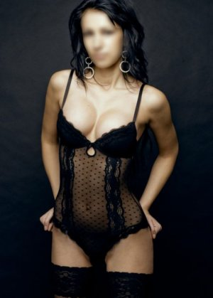 Anne-yvonne outcall escort in Beverly MA