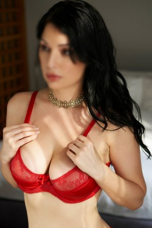 Nazlican incall escorts