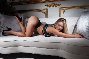 Tayssa escort girl and casual sex