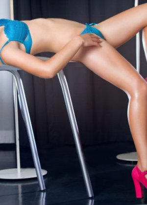 Prunelle independent escort